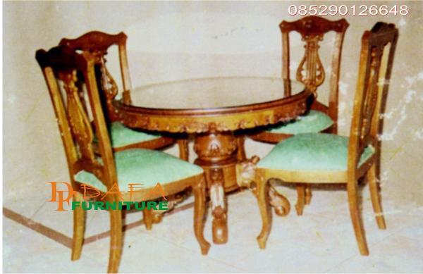 kursi makan cantik