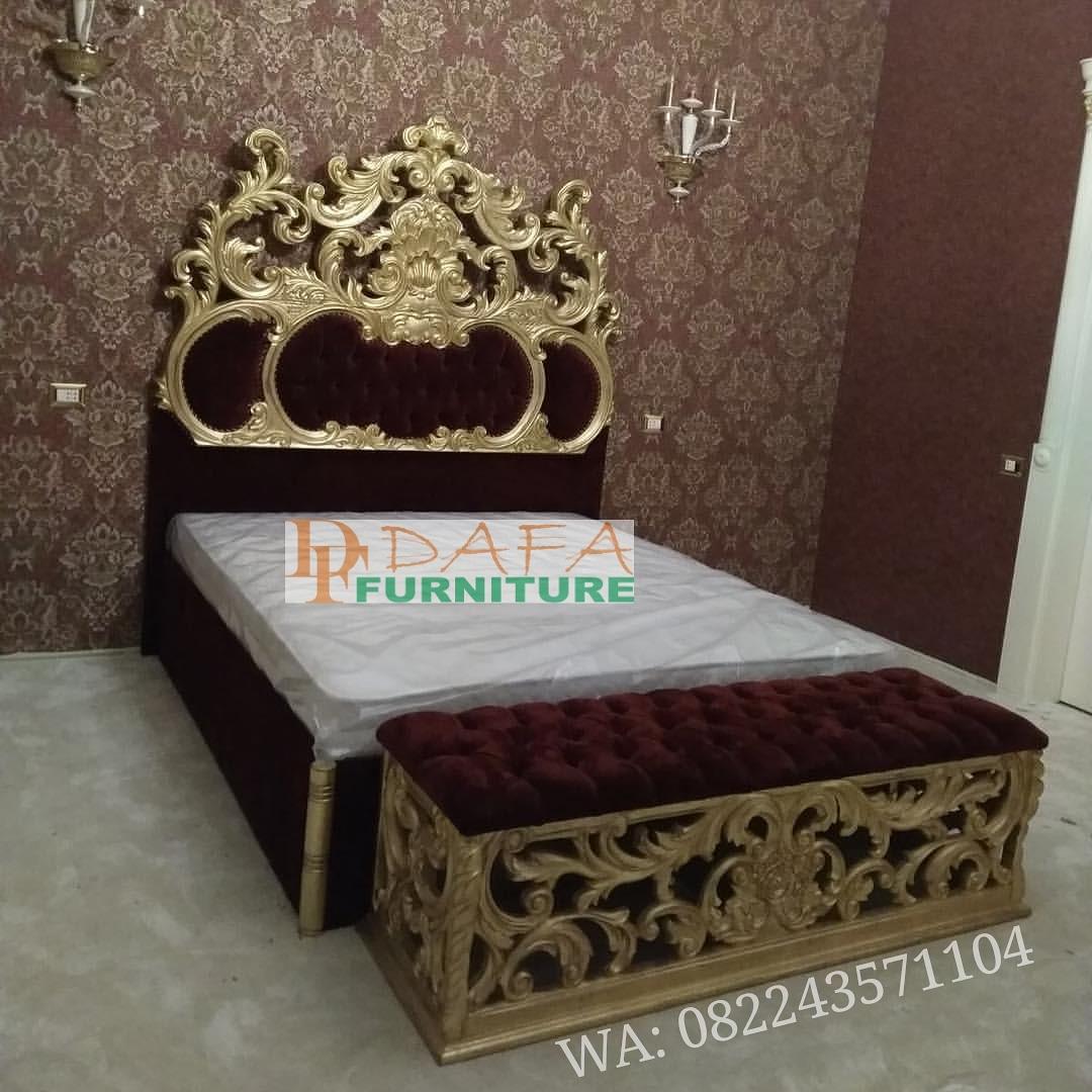 Tempat Tidur Ukir Klasik Duco Emas Terbaru