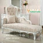 Sofa Santai Klasik Modern
